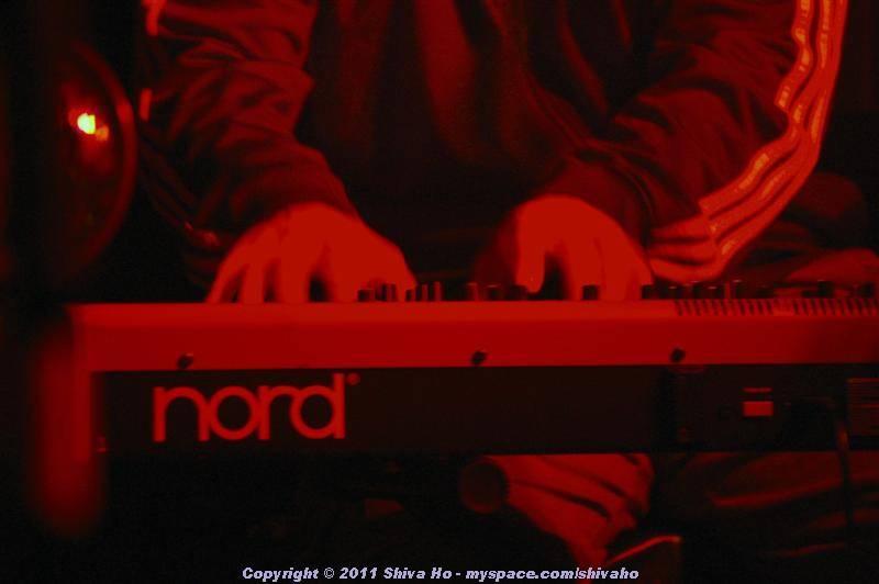 fndb2011-11-30n-075Medium.JPG