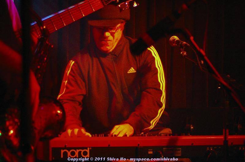 fndb2011-11-30n-100Medium.JPG